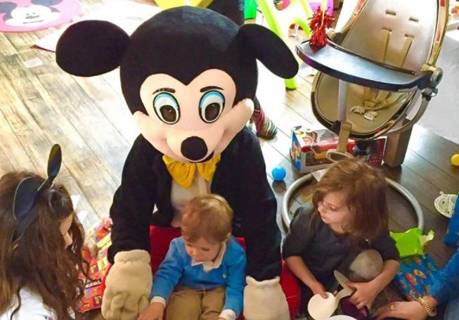 Lunch bij Brasserie Paardenburg en ontmoet Mickey & Minnie